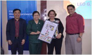 Eduardo C. Jimenez, Bangko Sentral ng Pilipinas Microfinance Consultant; Carmelita B. Bilaoen, Peoples Bank of Caraga President; Marcelina Occeña, 2016 CMA Regional Awardee for Mindanao; and Allan Robert I. Sicat, MCPI Executive Director.